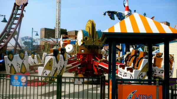 ADA Sign Requirements for Amusement Parks in LA